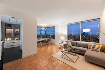 Ideal 2 bedroom, 2.5 Bath with River, City and Central park views